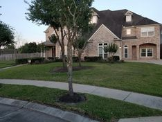 Landscaping in Sienna Plantation, TX (1)